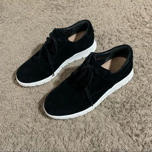 Brand new VINCE Suede shoes